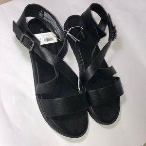 Black strappy casual sandals Old Navy new nwt